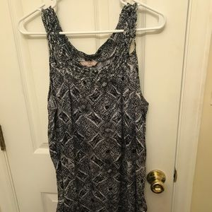Black and white patterned tank top only worn once